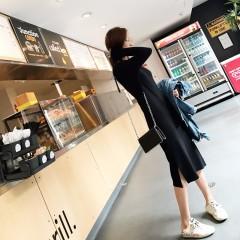 秋季长袖针织连衣裙女中长款修身显瘦新款V领开叉黑裙